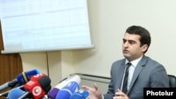 Министр транспорта, связи и информационных технологий Акоп Аршакян, Ереван, 17 апреля 2019 г.