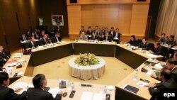 مقامهای ارشد عضو مذاکرات شش جانبه پکن برای حل مساله هستهای شبهجزيره کره ، در چین در حال بررسی نحوه کمک به کره شمالی هستند
