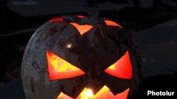 Halloween-ի խորհրդանիշ «վառվող դդումը»
