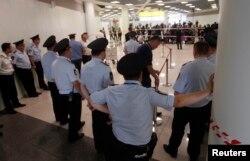 Сотрудники службы охраны Шереметьева обеспечивали безопасную беседу Кучерены со своим клиентом