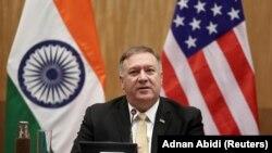 مایک پامپیو وزیر خارجه امریکا حین صحبت در یک کنفرانس خبری در هند. June 26, 2019