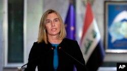 تصویری از کنفرانس خبری فدریکا موگرینی پس از دیدار با وزیر خارجه عراق در بغداد