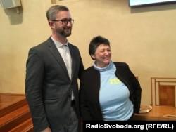 Наріман Джелял разом з колишньою міністеркою у справах прав людини Джемілею Стегліковою після виступу в Сенаті
