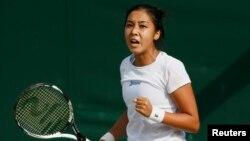 Қазақстан теннисшісі Зарина Дияс 2015 жылғы Уимблдон турнирінде.