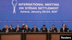 Участники переговоров в Астане по Сирии. 23 января 2017 года.
