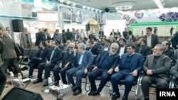محمد مخبر، رئيس ستاد اجرایی فرمان امام (ردیف اول، نفر دوم از راست)