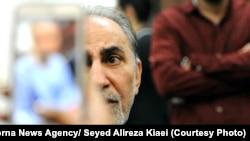 حضور محمدعلی نجفی در دادسرا یک روز پیش از بازداشت به دلیل قتل همسرش