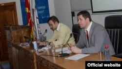 Директорот и претседателот на ЗНМ, Драган Секуловски и Насер Селмани.
