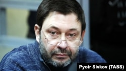 RIA Novosti Ukraine editor in chief Kirill Vyshinsky at a court hearing in Kyiv on April 4.