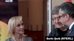 Ion Caramitru în discuție cu Lucian Romașcanu, ministrul culturii