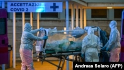 Իտալիա - Ժամանակավոր հիվանդանոցում բուժօգնություն են ցուցաբերում կորոնավիրուսով վարակվածին, Հռոմ, 16-ը մարտի, 2020թ.