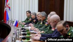 Евгений Пригожин на встрече Халифы Хафтара с руководством Минобороны России в Москве. 7 ноября 2018 года