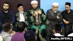 Татарстан мөфтие Камил Сәмигуллин яшьләр белән очраша