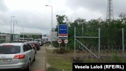Mađarska na granici i dalje drži žičanu ogradu