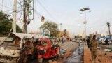 Mogadişuda bolan maşyn partlamasyndan soňky görnüş. Somali, 9-njy noýabr, 2018 ý. Arhiw suraty