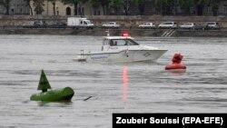 Полиция Дунайда бедарак йўқолган 21 одамни қидиришда давом этмоқда.