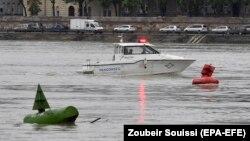 Дунай дарыясында издеп-куткаруу иштери уланып жатат. 30-май, 2019-жыл.