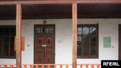 Tajikistan – Closed mosque in Dushanbe, 15Dec2008