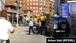 Pamje nga incidenti i 5 shtatorit në rrugën Muharrem Fejza, në Prishtinë.