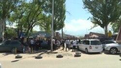 В Алматы предприниматели устраивают стихийные рынки у закрытых торговых центров