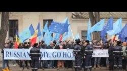 Proteste la ambasada Rusiei