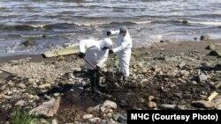 Разлив нефти на Камчатке, лето 2020 года, иллюстрационное фото
