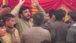 د عمران خان غونډه کې د وژل شوو ماشومانو پلرونو احتجاج