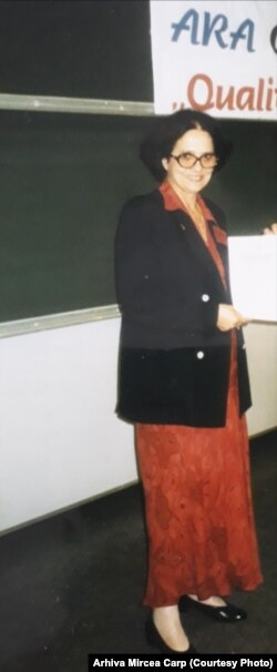 Gabriela Carp la un congres ARA