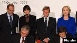 Церемония подписания армяно-турецких протоколов в Цюрихе, 10 октября 2009 г.