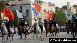 Празднование Дня независимости, Бишкек, 31 августа 2011 года.