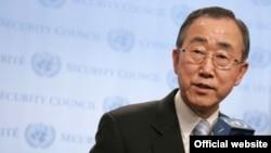 آقای بان از مقام های ايران خواست که به طور کامل کليه قطعنامه های شورای امنيت سازمان ملل را اجرا کنند.