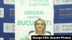 """Gabriela Firea a lansat suprataxarea șoferilor sub numele """"Oxigen pentru București""""."""