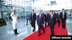 China -- Armenia's Prime Minister Hovik Abrahamian meets Chinese business leaders, 23Sep2015