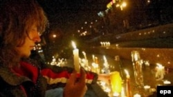 Минчане накануне зажгли свечи в знак солидарности с арестованными сторонниками оппозиции