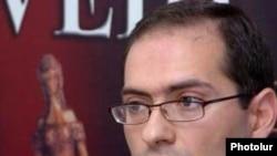 HAK spokesman Arman Musinian