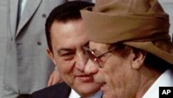 Hosni Mubarak və Muammar Qaddafi