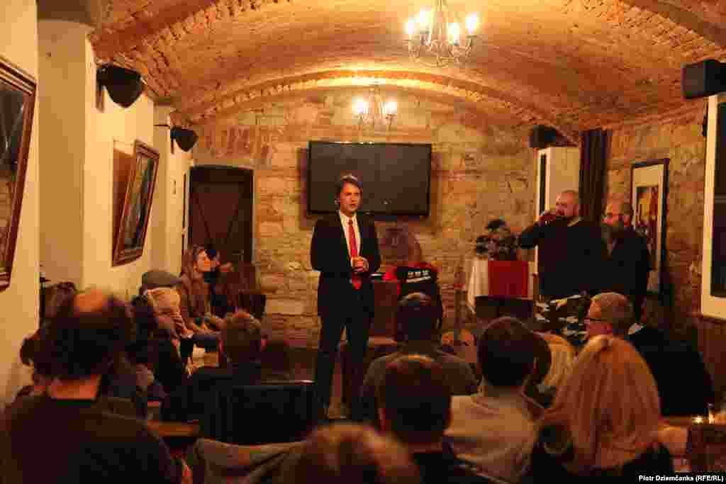 Канцэрт Аляксандра Памідорава ў Празе 16 студзеня 2013 году. Caffe Restaurant Wine Bar Rispetto