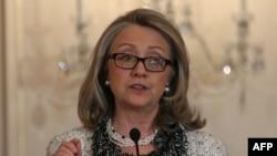 هیلاری کلینتون در آخرین روز کاری خود به عنوان وزیر امور خارجه ایالات متحده از کمکهای ایران و روسیه به بشار اسد انتقاد کرد.