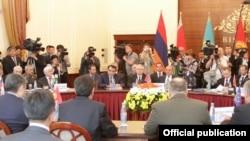 Встреча представителей стран - участниц ОДКБ в Бишкеке. 27 мая 2013 года.