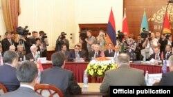 Kyrgyzstan/CSTO/Armenia - Armenia's delegation (C) at the CSTO joint meeting in Bishkek, 27May2013