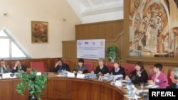 La o reuniune pe tema minorităților și a limbii române