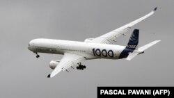 ایرباس قبلا قرارداد صادرات ۱۰۰ هواپیما به ایران را امضا کرده بود که تحویل آنها به ایران اخیرا آغاز شده است.