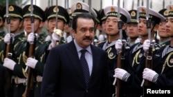 Председатель КНБ Карим Масимов в бытность премьер-министром Казахстана.