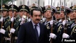 Кәрім Мәсімовтің Қазақстанның премьер-министрі болған кезіндегі суреті.