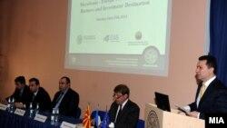 Премиерот Никола Груевски на бизнис форум во Талин, Естонија.