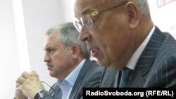Геннадій Москаль (праворуч) та Андрій Сенченко, Сімферополь, 10 вересня 2012 року