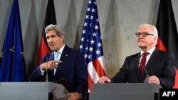 John Kerry dhe Frank-Walter Steinmeier. Berlin, 22 tetor 2014.