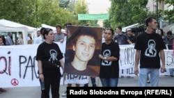 Протест против полициска бруталност организиран на повик на братот на убиениот Мартин Нешкоски, Александар, септември, 2011.