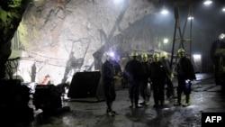 """Minatorët në minierën e Stan Tërgut, të kombinatit """"Trepça"""", fotografi nga arkivi."""