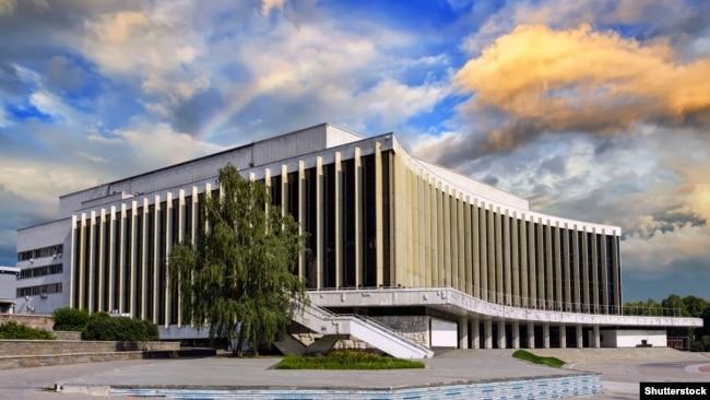 Сучасне фото Національного палацу мистецтв «Україна»